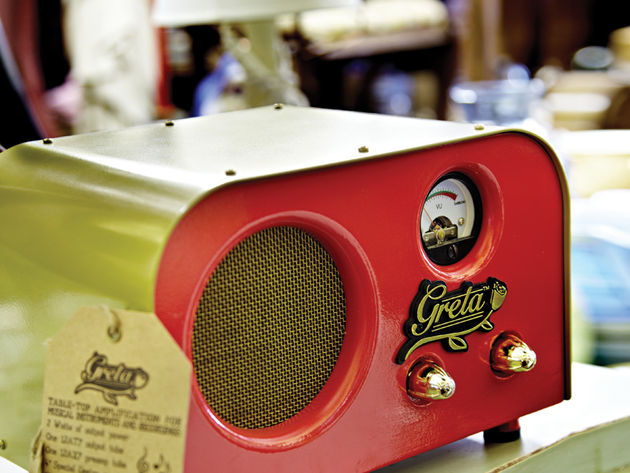A single four-inch speaker might not be enough to shake the walls but it's got plenty of clarity and range. The Fender Pawn Shop Special Greta's clean sounds in particular sound rich and responsive.