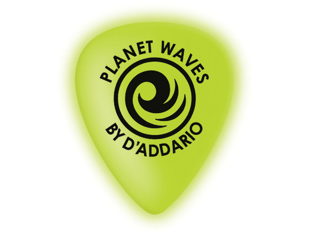 Planet Waves Cellu-Glo Picks: the guitarist's equivalent of a glowstick?
