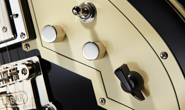 Like the Varitone passive filter circuit first seen on the Gibson ES-335TD-SV in 1958, the Peerless version moves from cocked wah to almost electro-acoustic textures