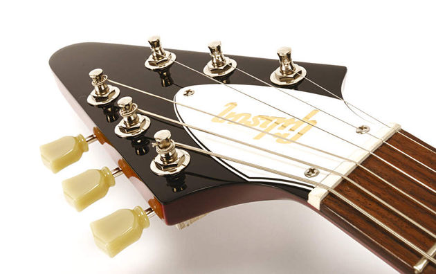 The classic arrowhead headstock remains