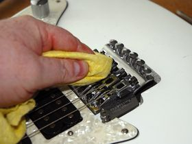 How to service a Floyd Rose-style vibrato