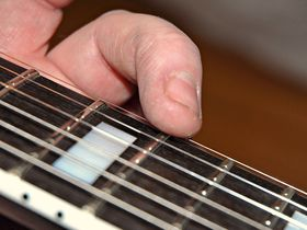 How to set your guitar's intonation