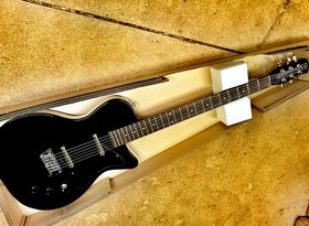 In pictures: Danelectro '56 Baritone unboxed