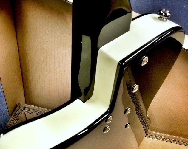 Danelectro '56 Baritone unboxed