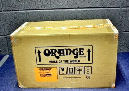 In pictures: Orange Dual Dark 50 unboxed