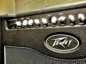 In pictures: Peavey ValveKing Combo 50 unboxed