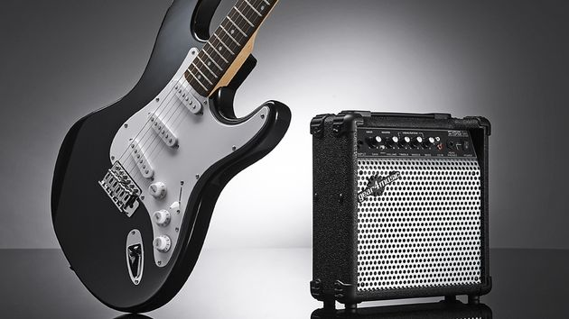 Gear4Music Electric-ST guitar and amp pack