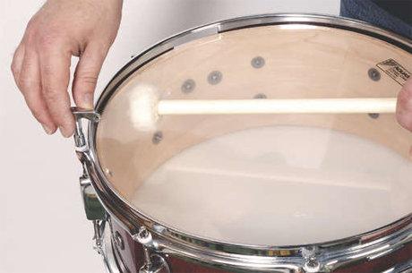 Snare drum tuning