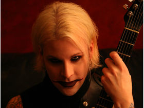 John 5 falls off bike, cancels clinics