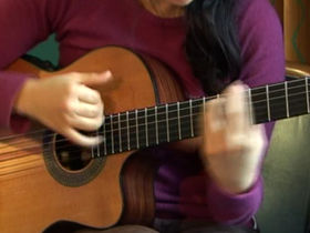 Rodrigo y Gabriela on rhythm playing