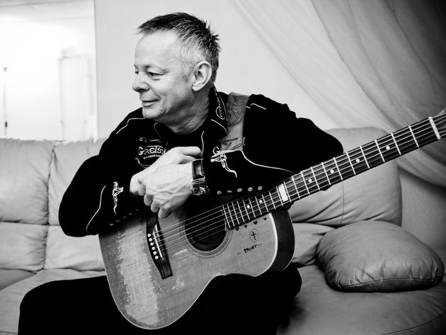 Play acoustic like Tommy Emmanuel