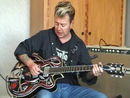 Brian Setzer on rockabilly picking using open chords