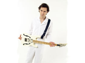 Video tutorial: Killer licks with Paul Gilbert part 1
