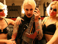 Video tutorial: Killer licks with John 5 part 1