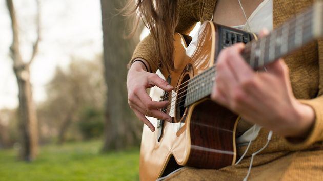 Acoustic guitar for beginners: start your musical journey here