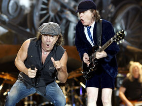 AC/DC fans to band: Change your freakin' setlist!