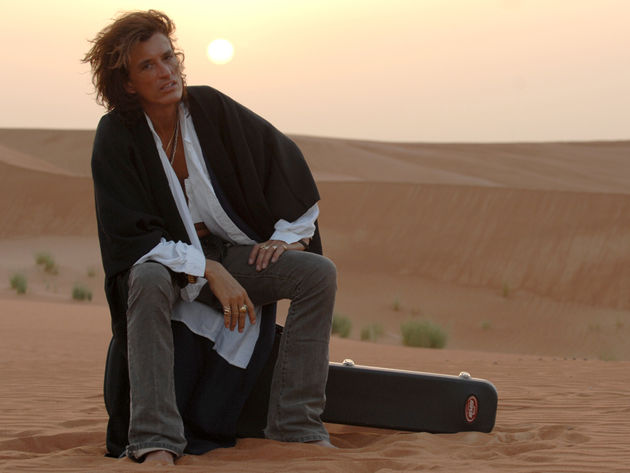 Joe Perry isn't in the desert. He just has a very big sandbox in his backyard