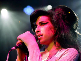 New Amy Winehouse song, Like Smoke, unveiled