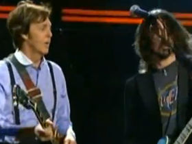 Grammy guitar jam: Paul McCartney, Dave Grohl, Bruce Springsteen, Joe Walsh