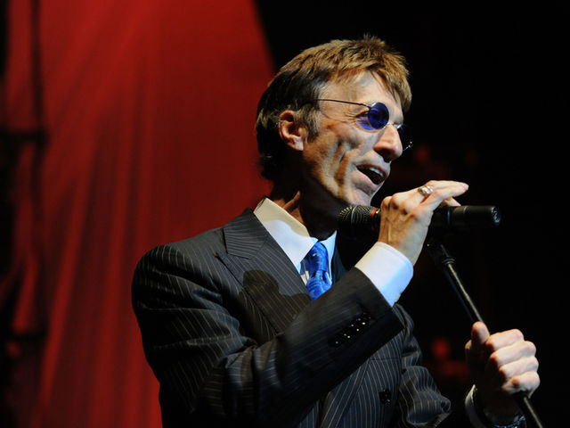 Robin Gibb performing in Sydney in 2010.