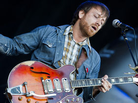 How to record guitars like Dan Auerbach from The Black Keys