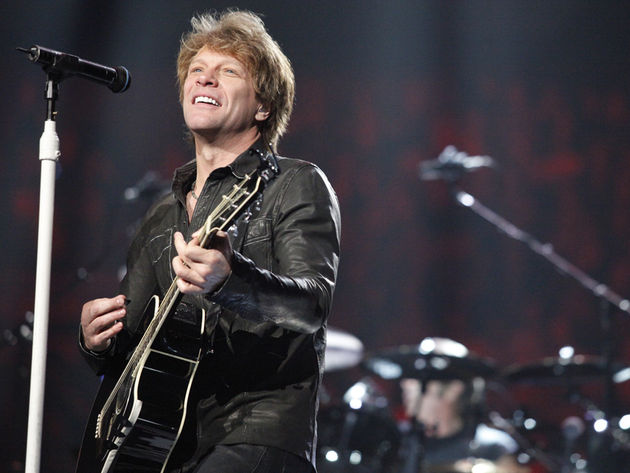 "Jon Bon Jovi says an extra hig ""Hello!"" to New Jersey"