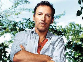 Bruce Springsteen previews new album online