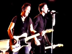 Bruce Springsteen and The Killers' Brandon Flowers duet