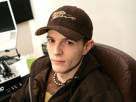 "Deadmau5 says ""All DJs are fucking c*nts"", then says they aren't"