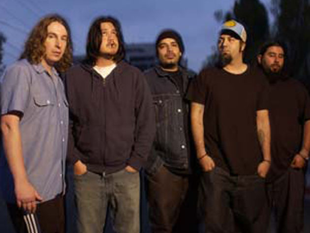 Deftones (Chi Cheng, second from left)