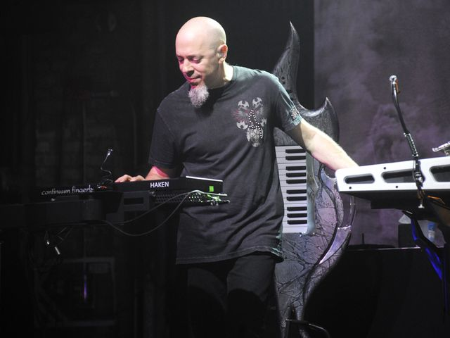 Rudess has some apps and he's gonna use 'em!