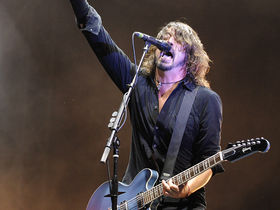 Dave Grohl clarifies his Grammy Awards speech