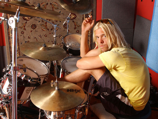 With Red Light Fever, Taylor Hawkins and his band, The Coattail Riders, serve up a winner
