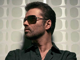 George Michael to put his face in gold