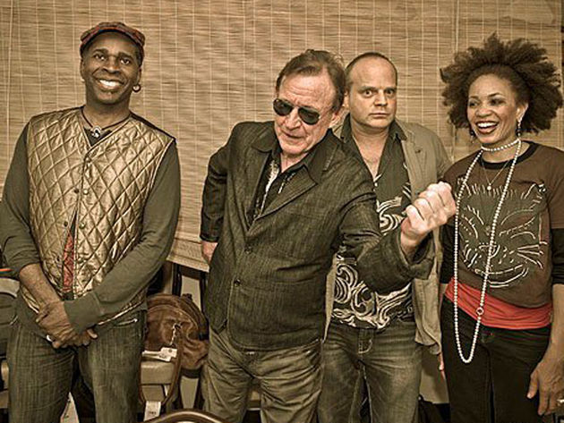 Jack Bruce (second from left) shows Vernon Reid, John Medeski and Cindy Blackman Santana how to swing