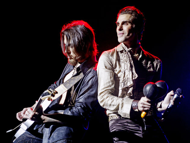 Dave Navarro and Perry Farrell on stage in 2009. Who's in the full band? We'll see. But we have new music...