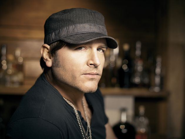 "Jerrod Niemann talks ""whacked-out demos,"" EDM beats and country music humor"