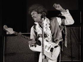 VIDEO: Jimi Hendrix guitar tribute jam breaks Guinness World Record