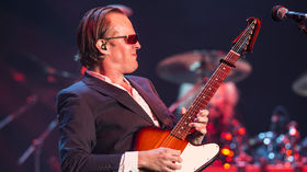 Joe Bonamassa has the Christmas Date Blues - song premiere