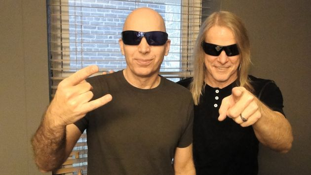Joe Satriani et Steve Morse au Tower Theater (Upper Darby), le 28/09/2013