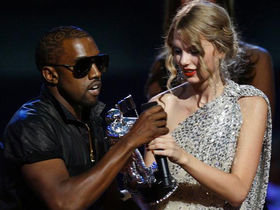 Kanye West apologizes to Taylor Swift for VMA invasion