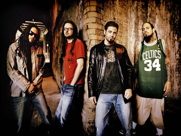 Korn, with Fieldy far right