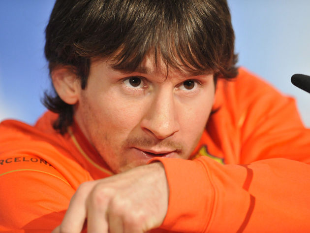 Lionel Messi needs a wig to look like Noel Gallagher? Uh, don't think so...