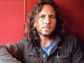 "Eddie Vedder says, ""Kurt Cobain would like me if he were still alive"""