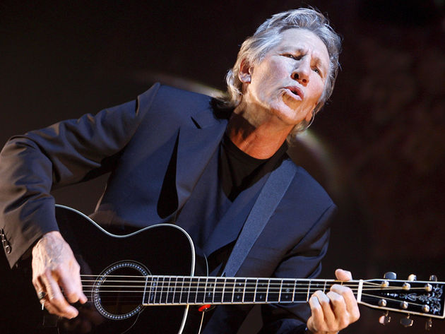 Roger Waters is tearing down 'the wall' between him and David Gilmour