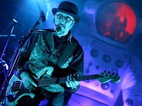 5 bassistes qui ont repoussé les règles de l'instrument