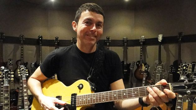 Richard Barone with his treasured Gibson Les Paul Special (complete with TV Yellow finish) in New York City.