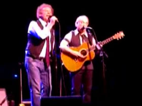 Simon & Garfunkel reunite in New York City