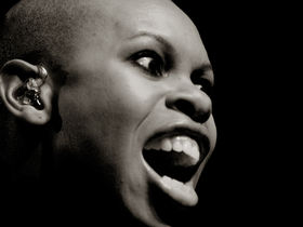 Talking dog reforms Skunk Anansie