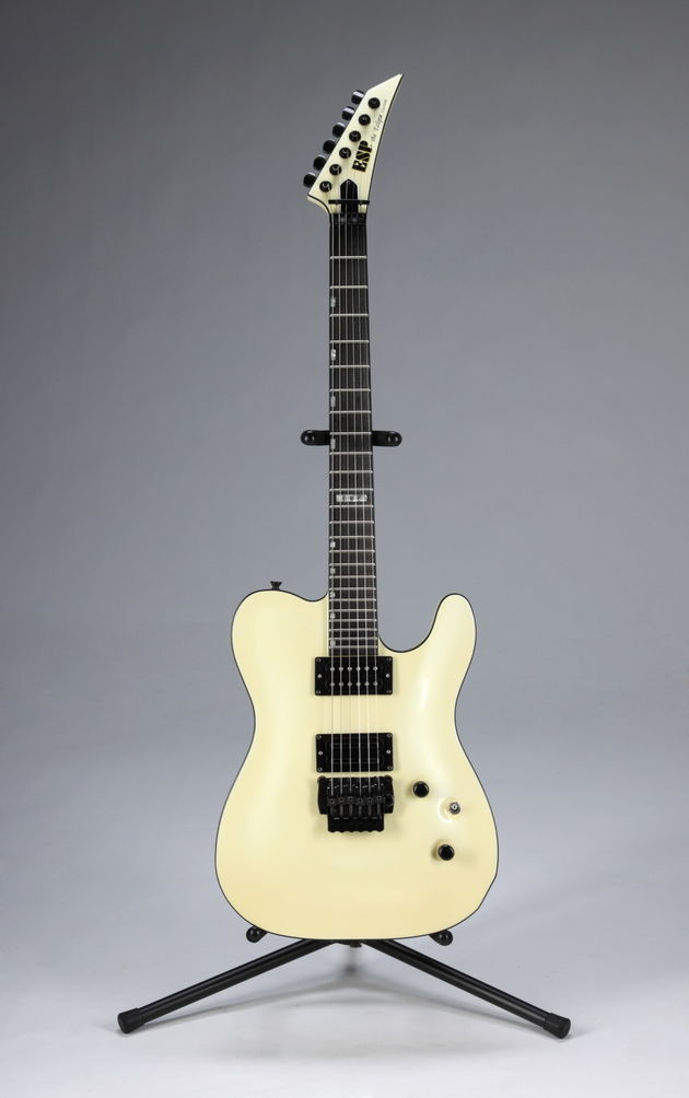 Lot 351: Slash-played custom ESP Eclipse